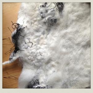 Machine knitting black and white hat 010