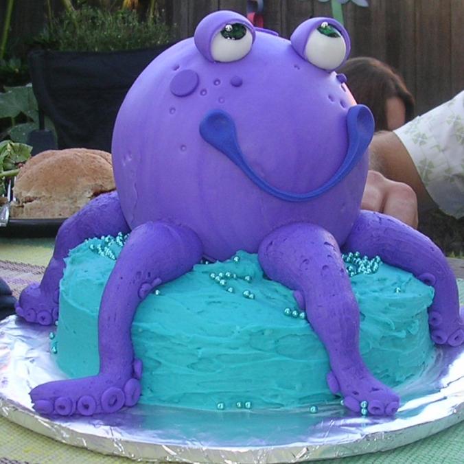 cropped cake